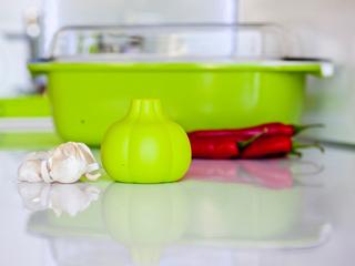 Użyteczny obierak do czosnku