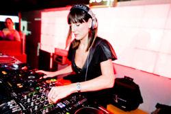 DJ-ka Lottie gwiazdą Stereo Stock