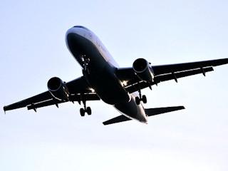 Jak przetrwać pierwszy lot samolotem?