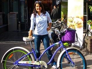 KFC i Joanna Jabłczyńska zachęcają do jazdy na rowerze
