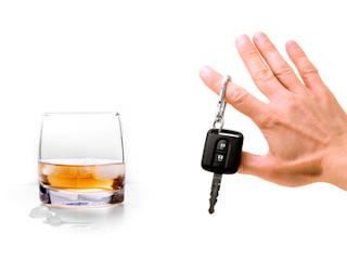 Sprawdź się alkomatem zanim wsiądziesz za kierownicę.