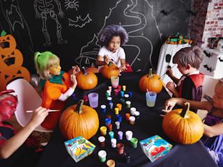 Przygotuj przyjęcie dla dzieci z okazji Halloween.