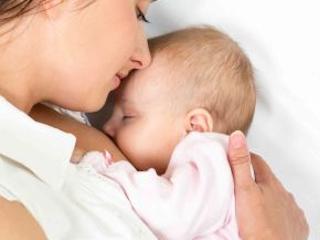 Jak radzić sobie z kolką u niemowlaka.