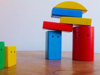 Zabawki uniwersalnym prezentem dla dziecka.