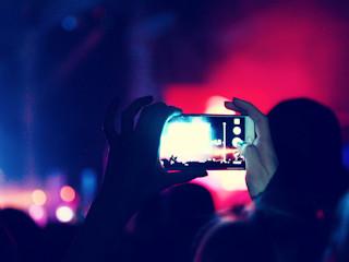 Na festiwal z praktycznym smartfonem