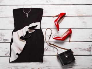 c071f55ecd3f3 Kopertówka czy listonoszka – którą wybrać do sukienki wieczorowej?
