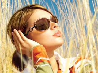 Okulary przeciwsłoneczne na jesienne dni
