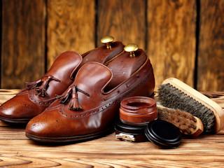 Wskazówki jak dbać o skórzane buty