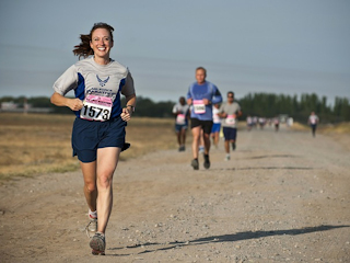 Zalety biegania – bardzo na serio i z przymrużeniem oka.