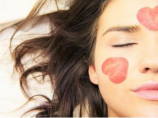 Jak zadbać o skórę twarzy na wiosnę?