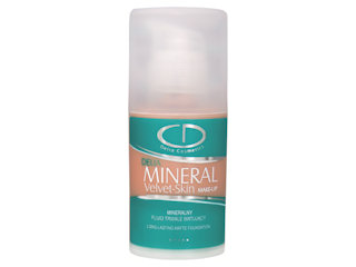 Gładka i matowa cera z trwałym fluidem matującym Delia Mineral Velvet Skin Make-Up.