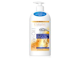 Ujędrniająco-wygładzający balsam do ciała pod prysznic 3 w 1 Eveline Cosmetics.