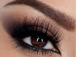 Eyeliner, czy kredka do oczu - co wybierasz?