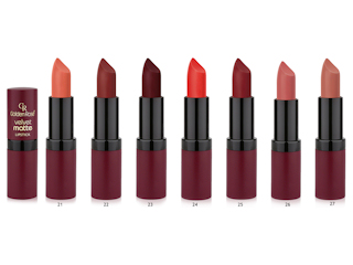 Pomadka do ust Velvet Matte od Golden Rose.