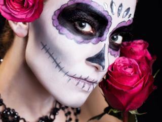 Idealny makijaż na imprezę w 3 krokach