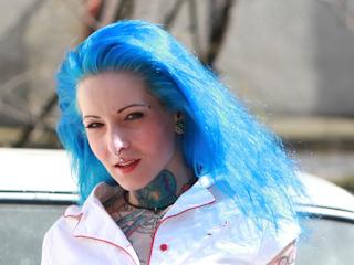 Pierwsza koloryzacja włosów.