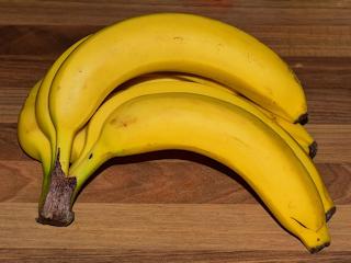 Korzyści z jedzenia bananów + przepis na shake.