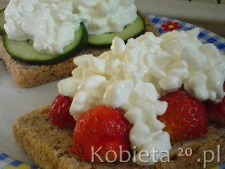 Przepis na białkowe śniadanie w dwóch wersjach.