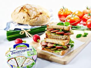 Przepis na regionalną kanapkę z serem Hochland Twarogowym i kiełbasą Lisiecką.